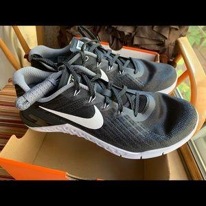 Nike Metcon 3 (black/white) Men's 10.5/ Women's 12